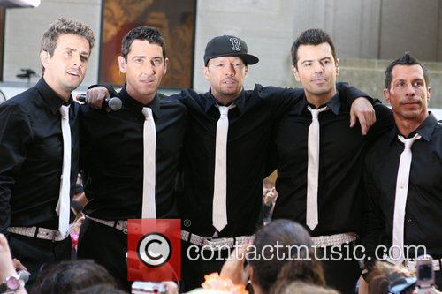 Joey Mcintyre, Donnie Wahlberg and New Kids On The Block 9