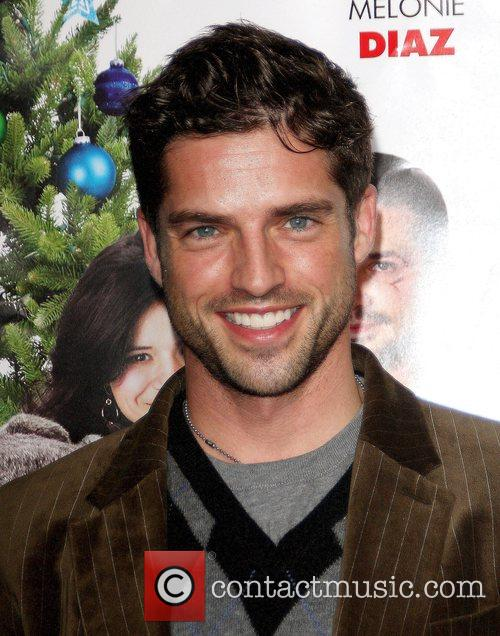 Scott Bailey  'Nothing Like The Holidays' Los...