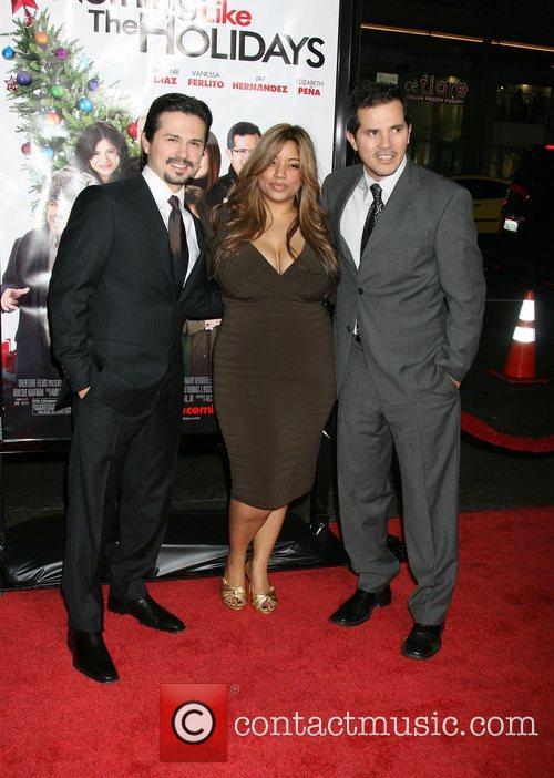 Freddy Rodriguez, Elise Rodriguez and John Leguizamo 4