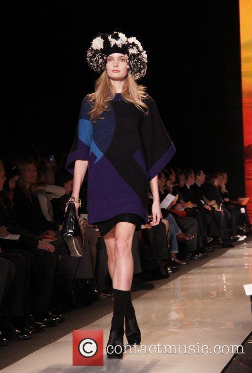 Model and Diane Von Furstenberg 4