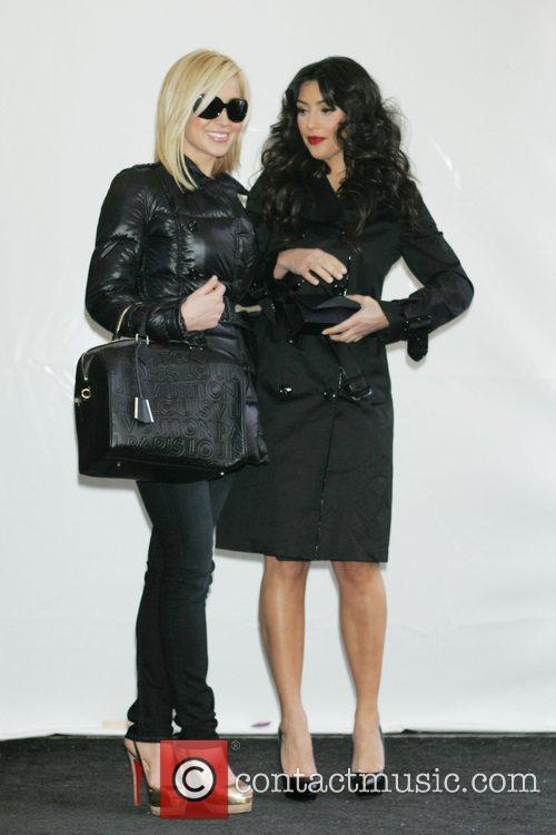 Kellie Pickler and Kim Kardashian 4