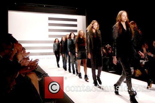 Models Mercedes-Benz IMG New York Fashion Week Fall...