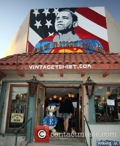 A vintageTshirt store on Melrose Avenue pays tribute...