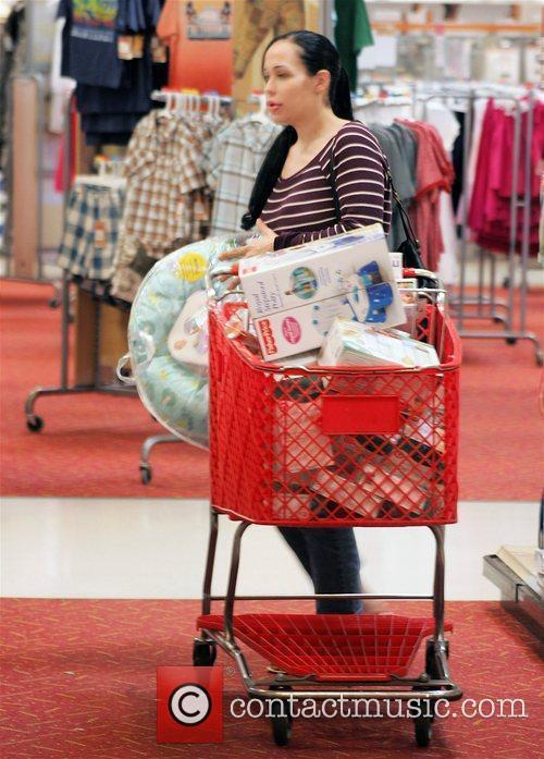 Nadya Suleman, aka Octomom, fills up her cart...