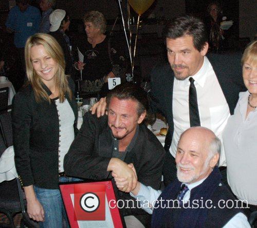 Robin Wright-penn, Josh Brolin and Sean Penn 2