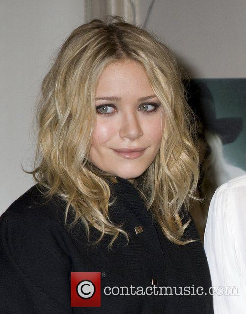 Mary Kate Olsen and Olsen Twins 9