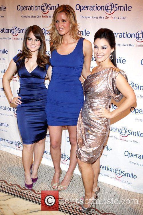 Jojo, Gretta Monihan, and guest The Junior Smile...