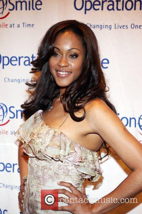Shontelle The Junior Smile Couture Event 2009 to...