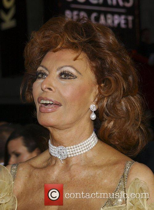 Sophia Loren, Academy Of Motion Pictures And Sciences and Academy Awards 2