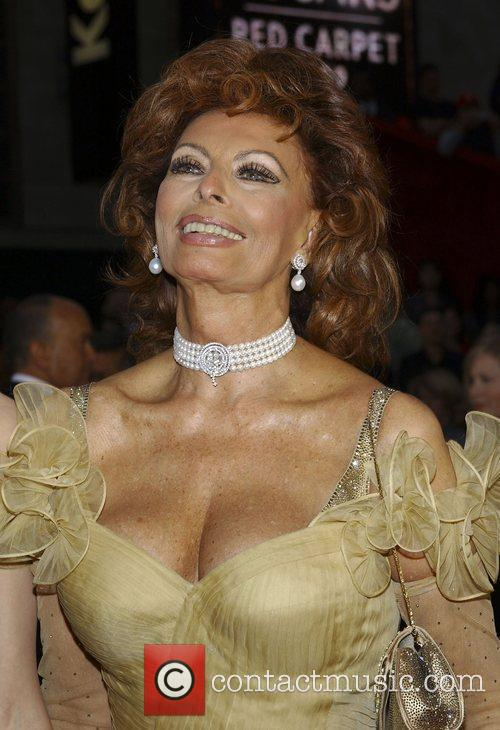 Sophia Loren, Academy Of Motion Pictures And Sciences and Academy Awards 1