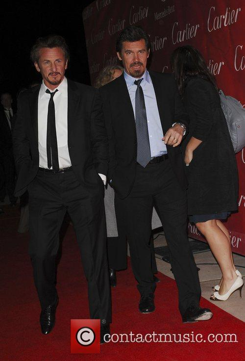 Sean Penn and Josh Brolin 5