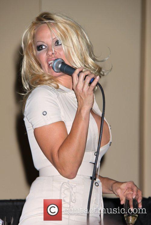 Pamela Anderson 10