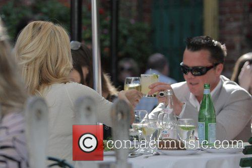 Pamela Anderson and A Male Friend Have Lunch At The Ivy 9