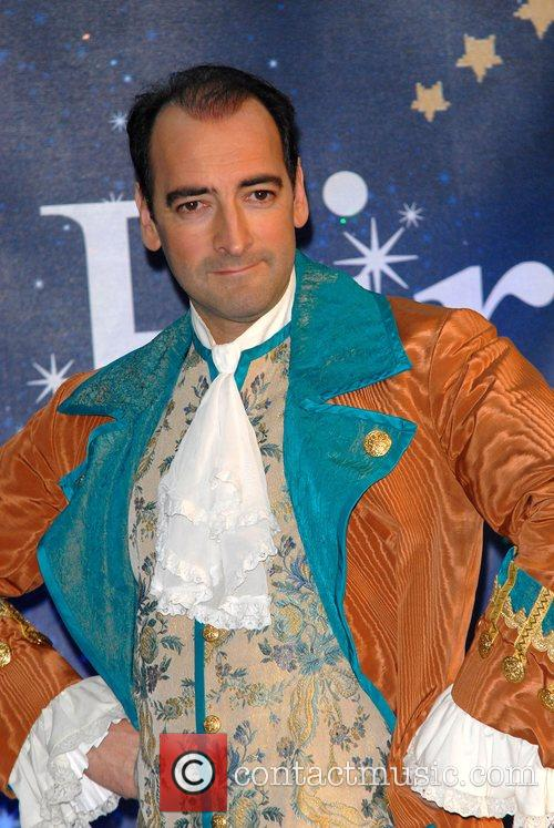 Alistair Mcgowan 5