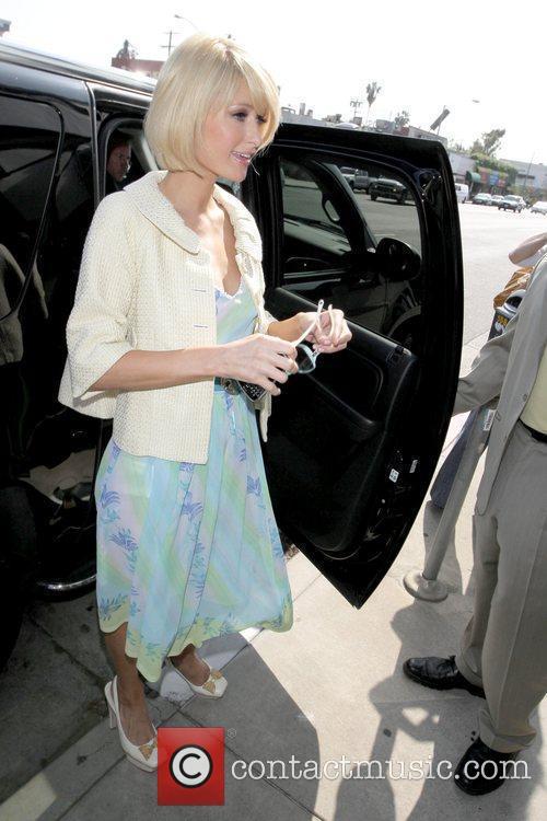 Paris Hilton  shops at Ariane hat boutique...