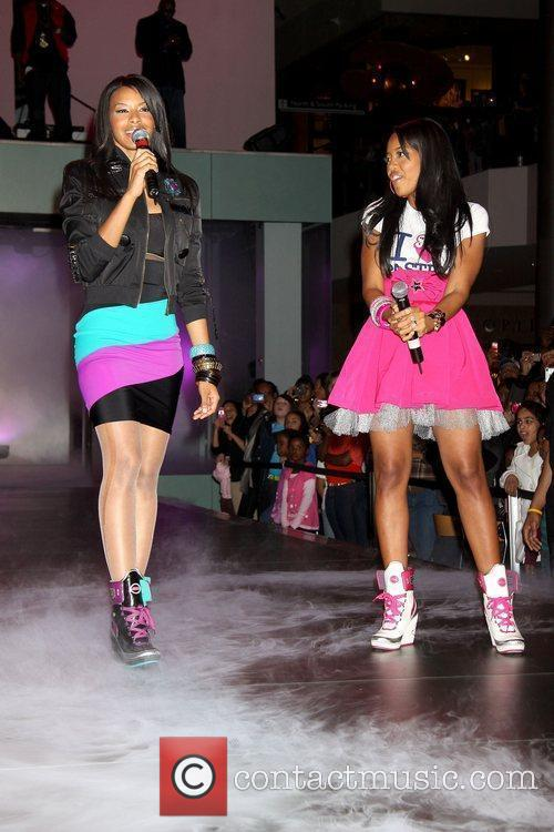 Seventeen Magazine presents a concert and fashion show...