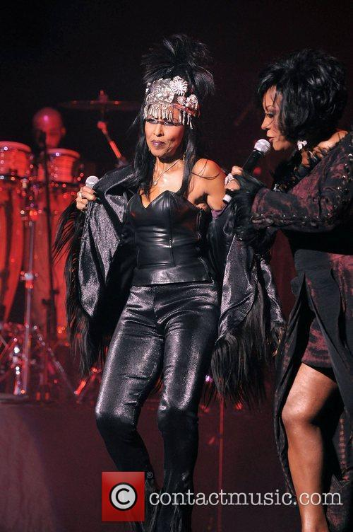 Nona Hendryx and Patti Labelle 6