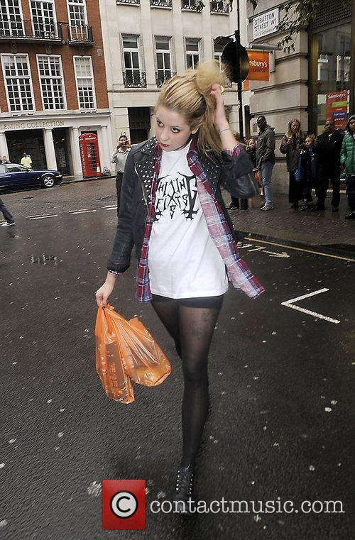 Peaches Geldof wears her hair in an impressive...