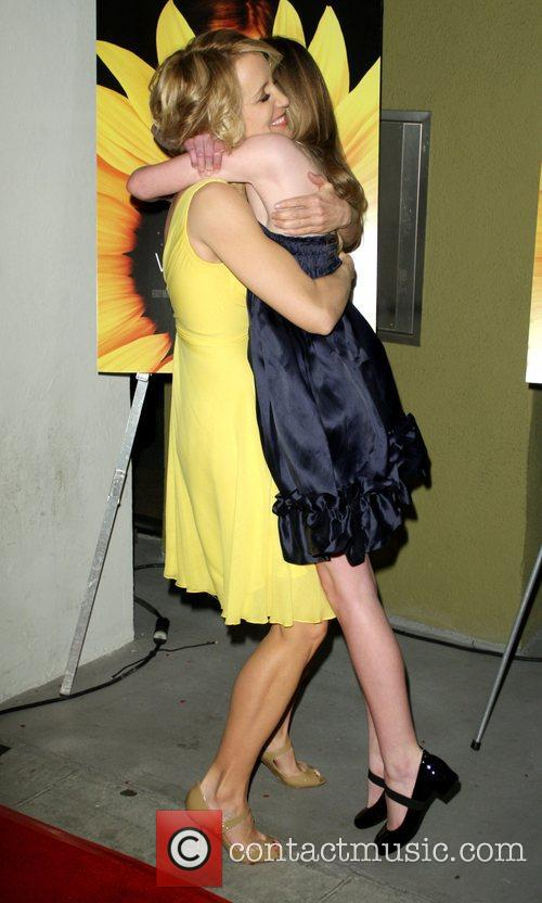 Felicity Huffman and Elle Fanning 3