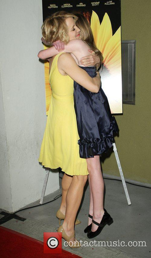 Felicity Huffman and Elle Fanning 10