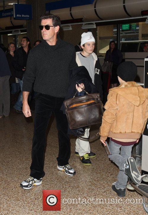 Pierce Brosnan, Dylan Thomas Brosnan and Paris Beckett Brosnan 1