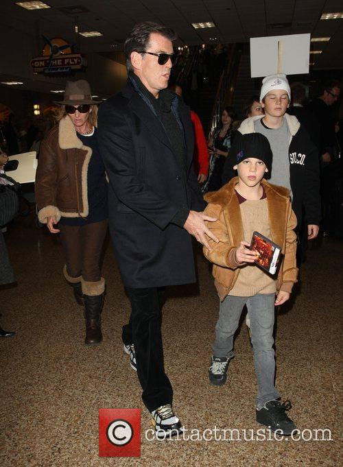 Pierce Brosnan, Paris Beckett Brosnan and Dylan Thomas Brosnan 1