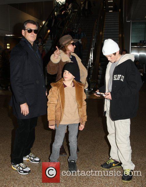 Pierce Brosnan, Paris Beckett Brosnan and Dylan Thomas Brosnan 5