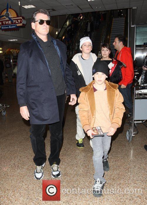 Pierce Brosnan, Paris Beckett Brosnan and Dylan Thomas Brosnan 4