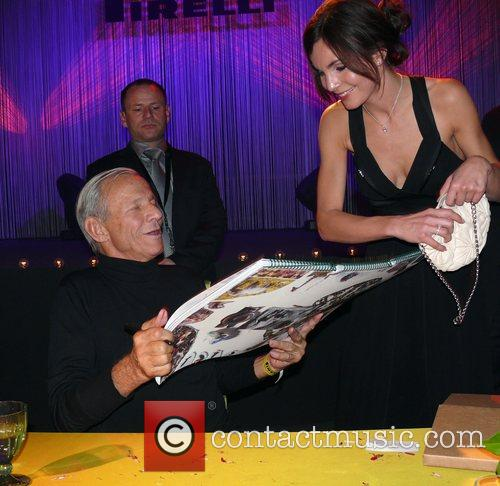 Peter Beard signing autographs for Nadine Warmuth