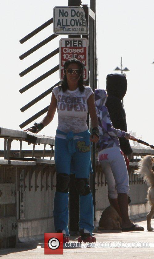 Katie Price, aka Katie Price, skating after leaving Venice Bike and Skates 10