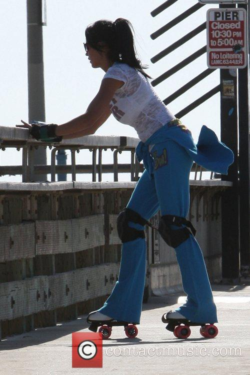 Katie Price, aka Katie Price, skating after leaving Venice Bike and Skates 11