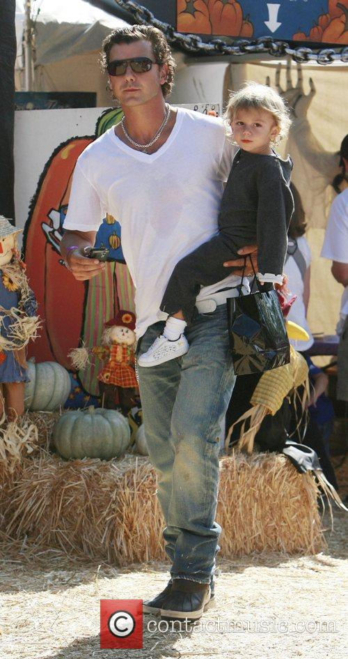 Gavin Rossdale and his son Kingston 7
