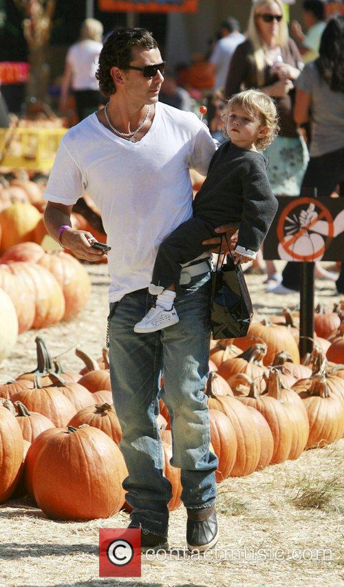 Gavin Rossdale and his son Kingston 6