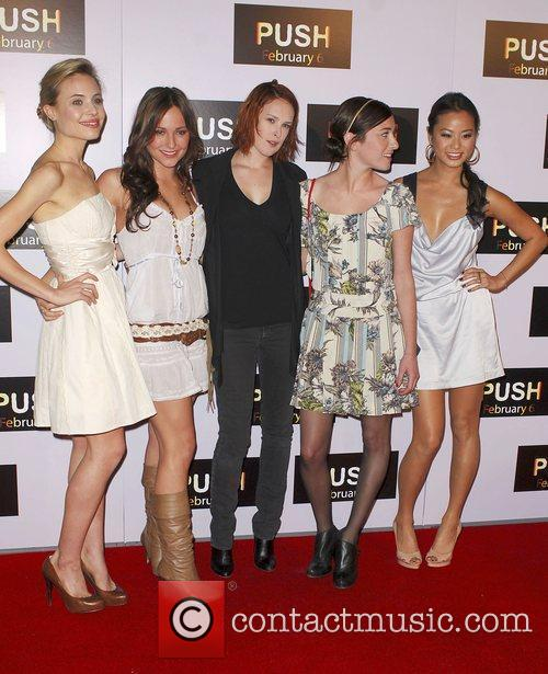 Rumer Willis and the cast from Sorority Row...