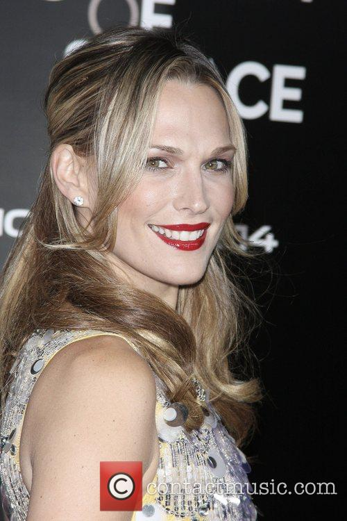 Molly Sims and James Bond 3