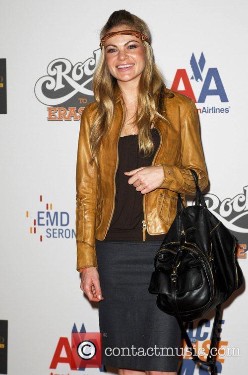 Caitlin Crosby 1