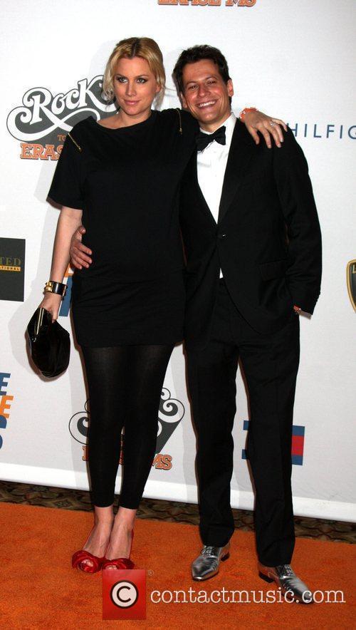 Alice Evans and Ioan Gruffudd 5