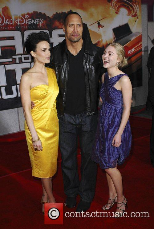Carla Gugino, Anna Sophie Robb and Dwayne Johnson...