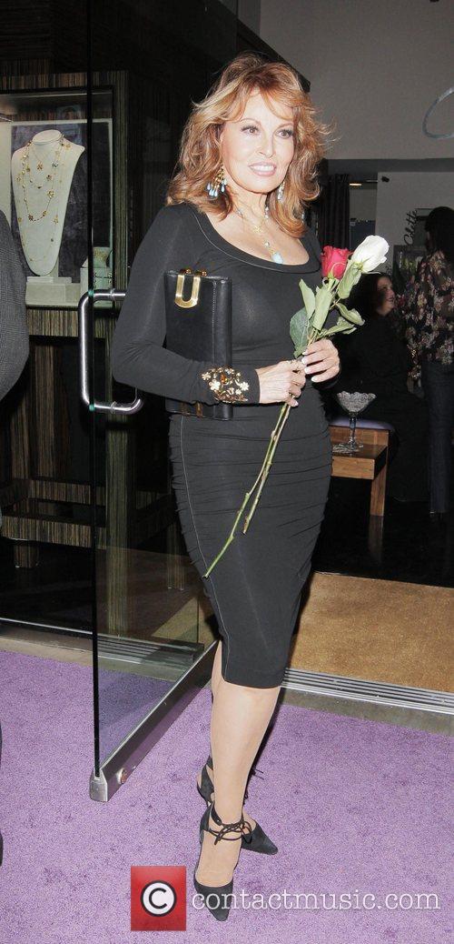 Raquel Welch 7
