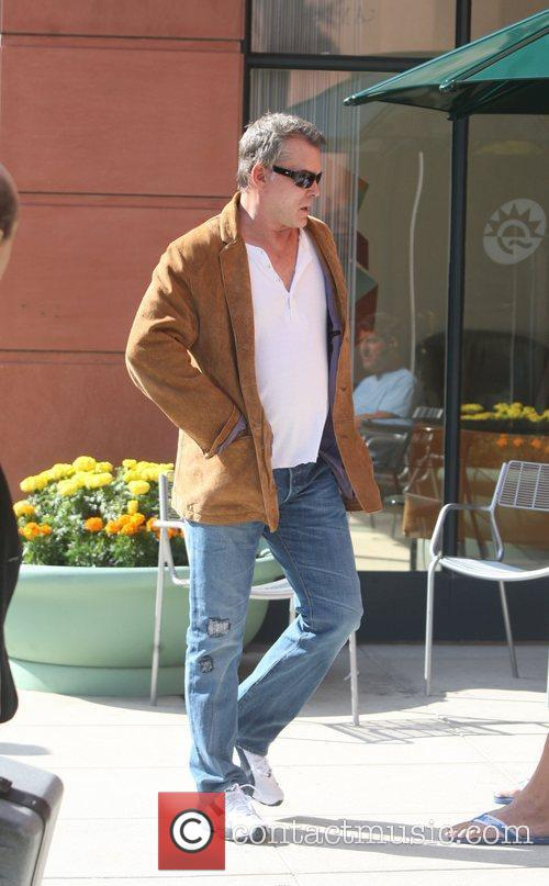 Ray Liotta makes his way to a Beauty...