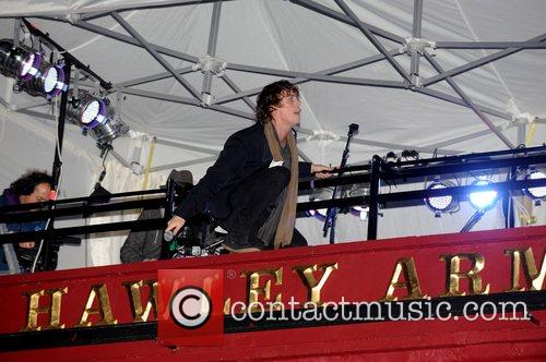Johnny Borrell and Razorlight 10