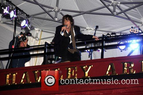 Johnny Borrell and Razorlight 5