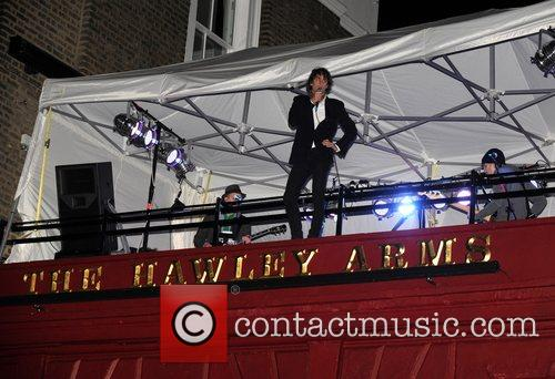Johnny Borrell and Razorlight 13
