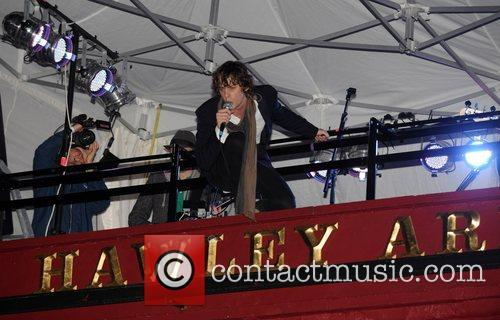 Johnny Borrell and Razorlight 2
