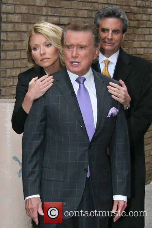 Regis Philbin and Kelly Ripa 7