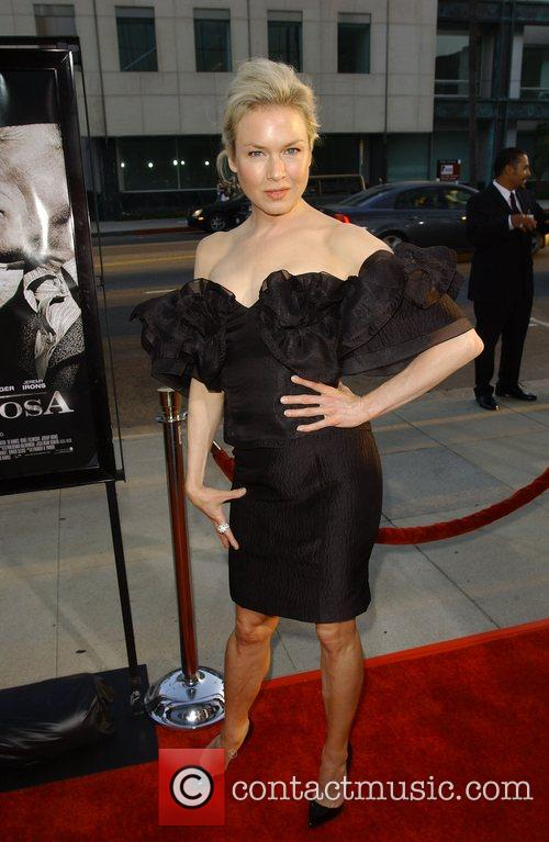 Renee Zellweger is starting to show a lack...