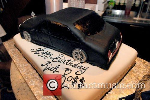 Atmosphere Rick Ross celebrates his birthday with his...