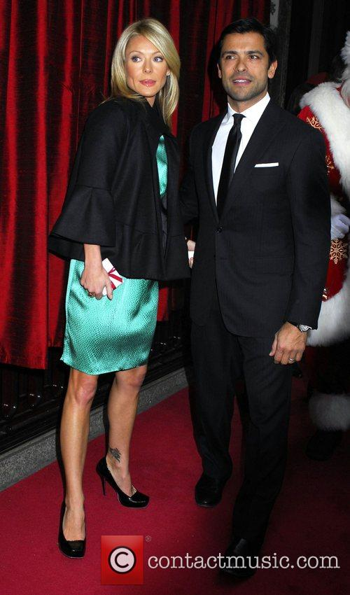 Kelly Ripa and Mark Consuelos 2