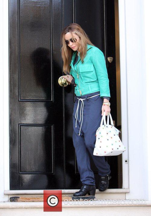 Elen Rives leaves her house to go shopping...