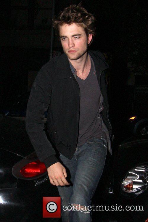 'Twilight' hunk Robert Pattinson seen returning to his...